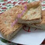 Torta di pasta di pane ripiena di provola e speck