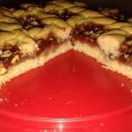 Crostata alla marmellata di fragole e noci