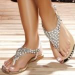 Una scarpa che non passa inosservata..l'infradito ci regala l'estate!