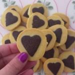 Biscottini in pasta frolla classica e al cacao